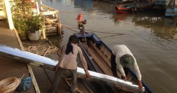 iLazaro thăm các làng Đồng Bào Việt Nam tại Cambodia