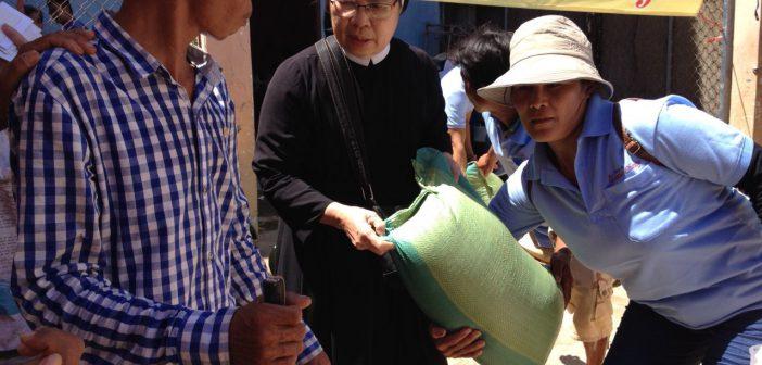 Hành trình yêu thương -Journey of love iLAZARO Charity- Cambodia
